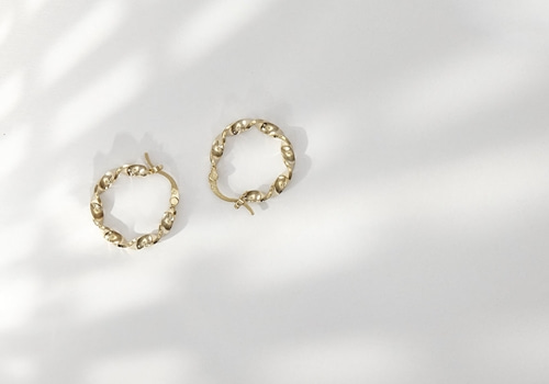 [LOUISE DAMAS] Esmeralda - Small twisted hoop earrings